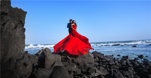 泰国普吉岛,马尔代夫,法国巴黎,希腊圣托里尼等地拍摄婚纱照.
